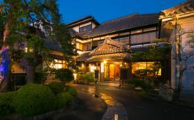 唐津の旅館綿屋(登録有形文化財)に泊まる
