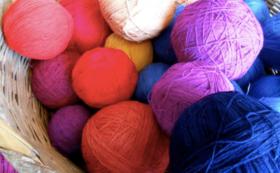 【彼女たちからのありがとう動画+手紡ぎ天然染め綿の糸玉】SABASABAの商品を買って支援に繋げよう!
