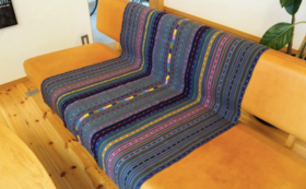 【彼女たちからのありがとう動画+手紡ぎ天然染めの手織りラグ】SABASABAの商品を買って支援に繋げよう!