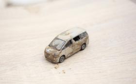 被災地が届く:トミカ(車両不明)