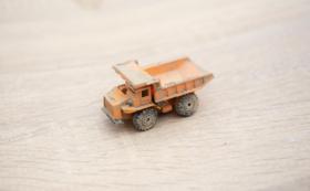 被災地が届く:トミカ(ダンプカー)