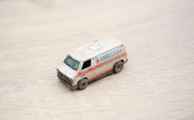 被災地が届く:トミカ(救急車)