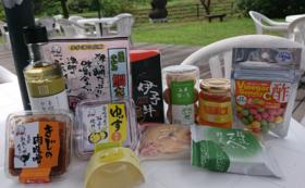 宇和島の美味しいご飯とお供5種とオヤツ5つ