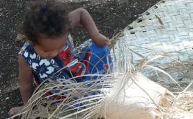バヌアツ共和国フツナ島のアダンバスケットのセット