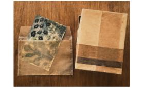 【kumaさんより】絵画作品(原画、葉書サイズ)+手作りの封筒+紙箱のセット