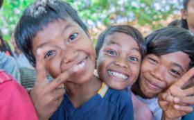 【FUMIADSUセレクト】写真入りポストカード+カンボジアのお土産