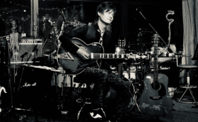 限定フォトブック+ニューアルバムfootprints on my way~大きな道の小さな足あと~』
