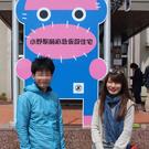 竹内サユリ(写真右)