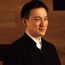智内威雄(左手のピアノ国際コンクール実行委員会)